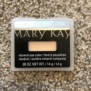 Sweet Cream Mary Kay Mineral Eye Color